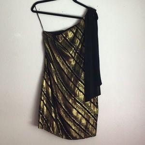 Dresses & Skirts - Black and gold Trina Turk dress❗️